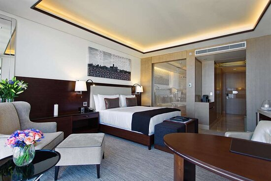 Deluxe Room King, City View