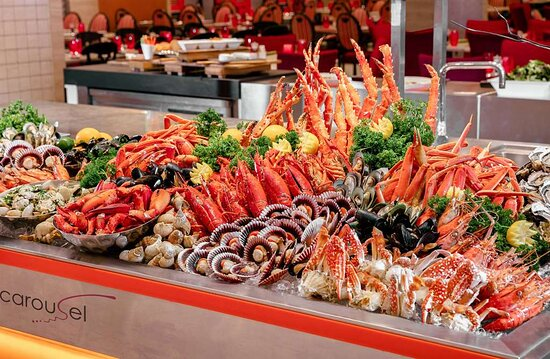 Seafood Counter Accent Shot Carousel Royal Plaza on Scotts