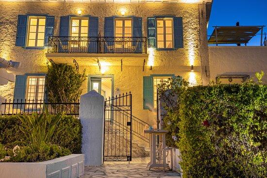 ATHINA Junior Suite - Foto van Galaxa Mansion, Galaxidi - Tripadvisor