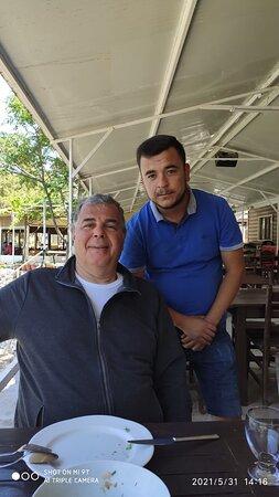 Gokova, Turkey: Şef Gökhan her işe yetişiyor Maşallah.