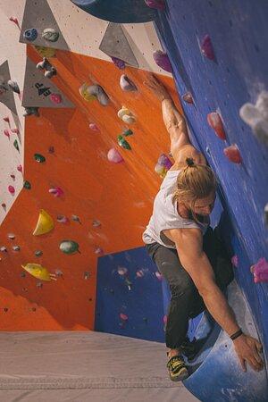 Bouldering balance problems