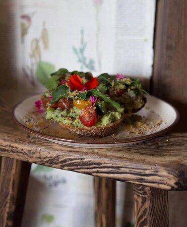 Avocados on toasts de La Paillote, à déguster pendant le Funday Brunch (tous les dimanches).