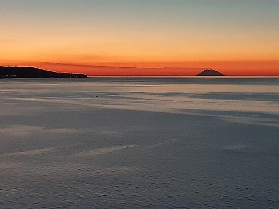 Catanzaro, Italy: Sunset with Stromboli and Sicily