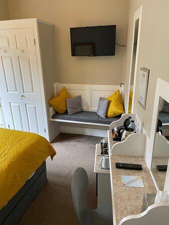 Room 2 standard double/twin