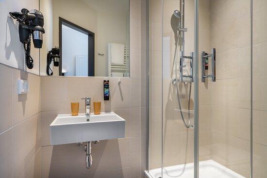 Bathroom Townster 1_ the niu Rig Hotel Lubeck