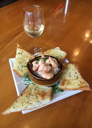 Bourbon Street Prawns - sauteed with garlic and onion in a cream sauce with grilled garlic bread