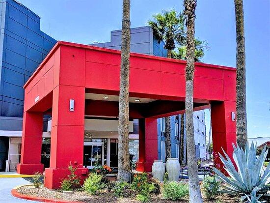 Best Western Plus Commerce Hotel