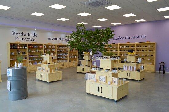 🌱 Huiles essentielles 🌞 Produits de Provence authentiques. 💧 Articles d'aromathérapies