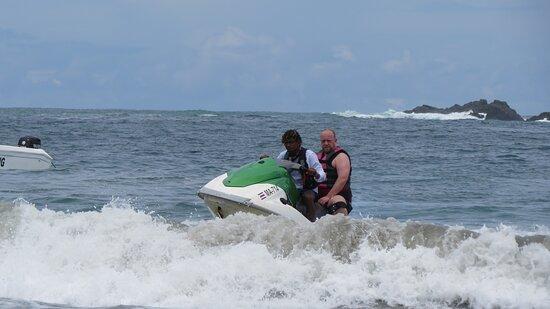 Foto Beach Parasailing with Aguas Azules