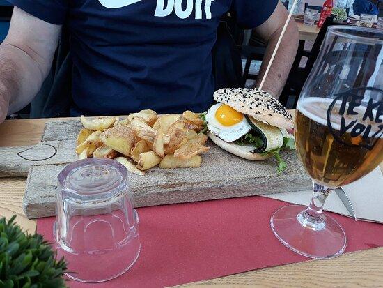 Focaccia e hamburger
