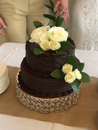 Flushing, MI: Beautiful cake and delicious!