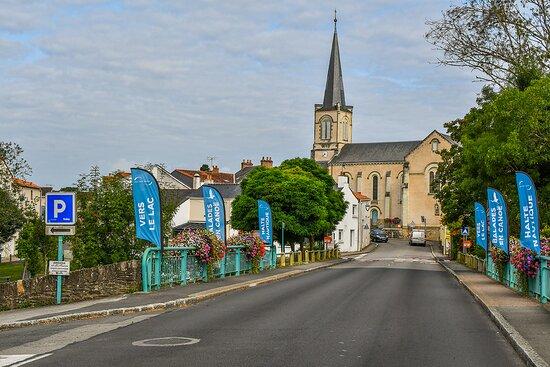 Pont-Saint-Martin, France: Eglise de Pont Saint Martin. Crédit photo : LOUERAT Nicolas.