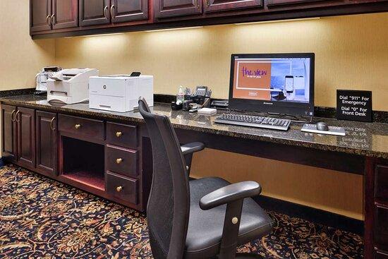 Jackson, AL: Business Center