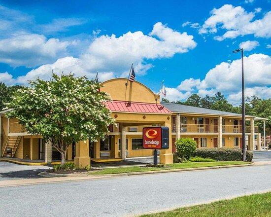 Econo Lodge Inn & Suites at Fort Benning