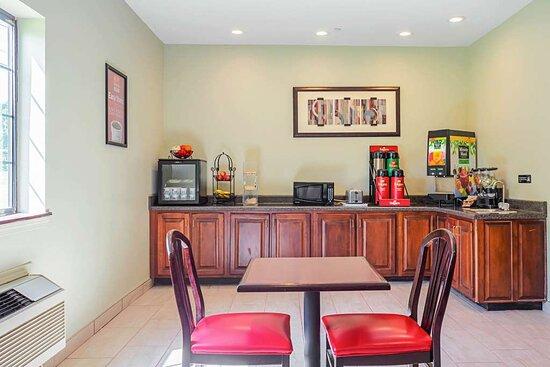 Ripley, TN: Breakfast area