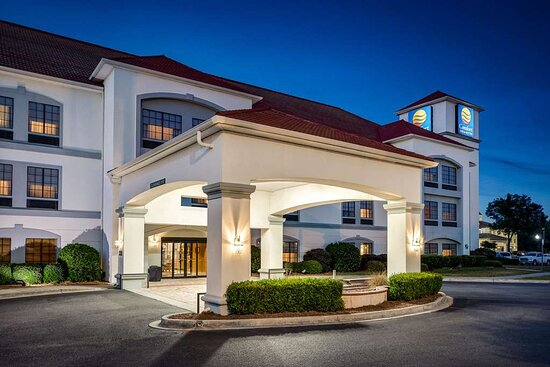 Comfort Inn & Suites Savannah Airport, hoteles en Savannah