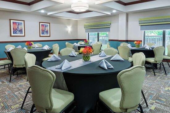 South Plainfield, NJ: Meeting Room
