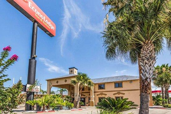 Econo Lodge Inn & Suites - Corpus Christi