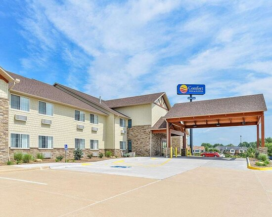Comfort Inn & Suites Riverview Near Davenport And I-80