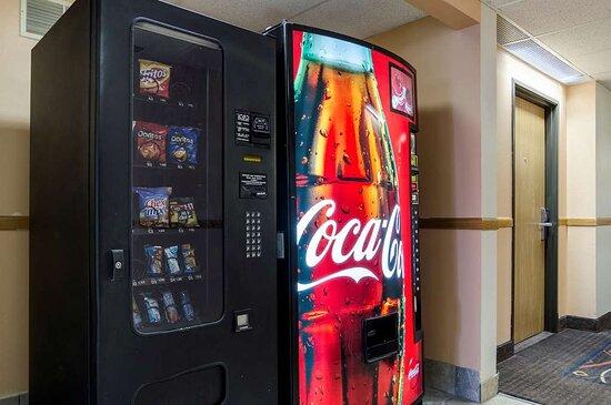 Osceola, IA: Hotel vending area