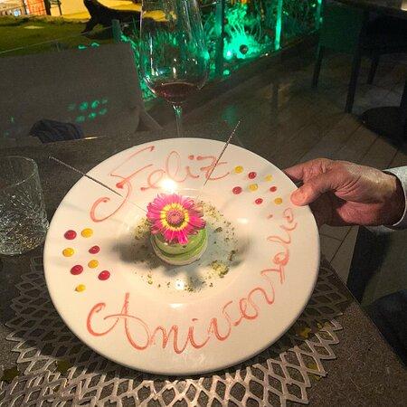 Ideal para celebración romántica. Servicio genial