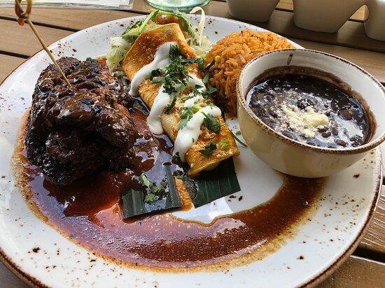 Lynnfield, MA: skirt steak dish