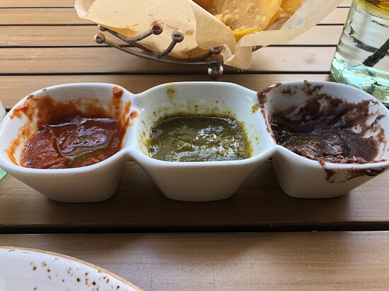 Lynnfield, MA: flavorful dipping sauces