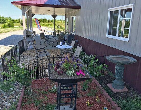 Nearwood Winery & Vineyards
