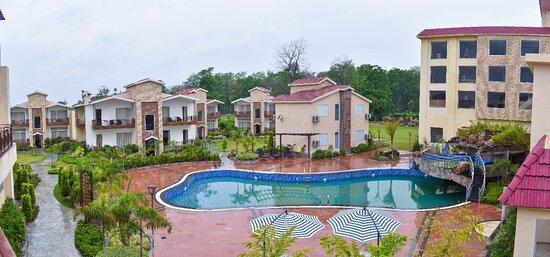 Ramnagar, India: Kaara Anantara Resort & Spa is spread over six acres of landscaped estate. 04 star Category Resort with 75  Luxury Room (39 Pool view,32 Luxury Room, 02 Premium Suite,02 Kaara Suites)