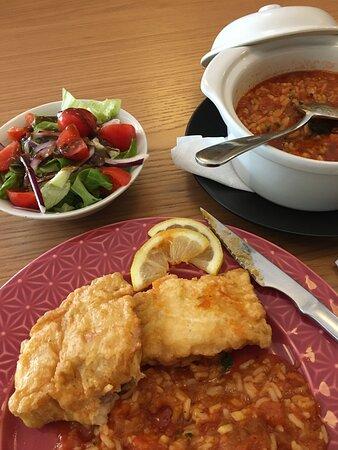 Prato do dia - Filet Pescada com arroz de tomate - muito bom!