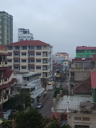 Kamboja: Early morning in Phnom Penh