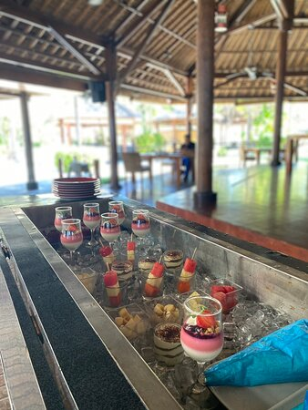 Best Family Beachfront brunch in Bali!