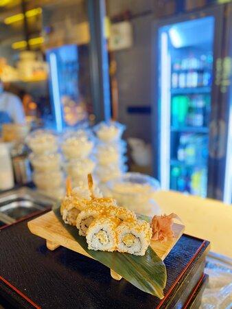 California roll de langostino en tempura