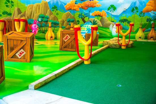 Angry Birds Mini Golf at American Dream