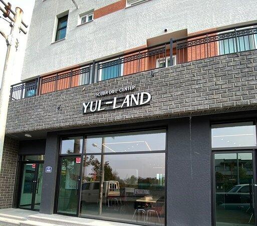Yul Land Scuba