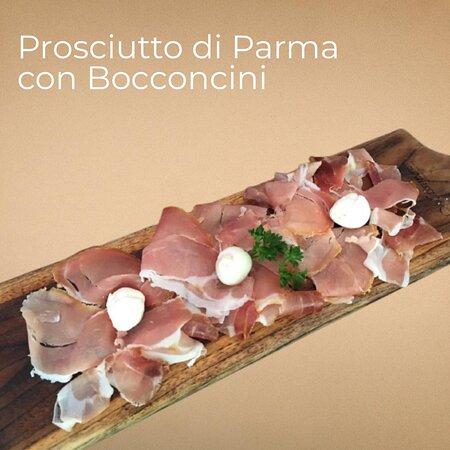 𝙋𝙧𝙤𝙨𝙘𝙞𝙪𝙩𝙩𝙤 𝙙𝙞 𝙋𝙖𝙧𝙢𝙖 𝙘𝙤𝙣 𝘽𝙤𝙘𝙘𝙤𝙣𝙘𝙞𝙣𝙞  Italian Parma Ham with Homemade Bocconcini Mozzarella Cheese  🕰️ Open Daily | 9am-10pm Dine-in last order 9.15 pm Take away last order 10.30 pm  Dine-in, Take Away or Delivery ☎️ (0361) 288942 or 08113999727  Location : 📍 Jl. Danau Tamblingan No.228, Sanur Denpasar, Bali  #massimotheoriginalsince1996 #massimotheoriginalyogya #massimojkt #massimobali #massimosanur #massimogelato #massimolecce #pizzamassimo #cheesymassimo