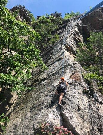 Rosendale, NY: Petie's Spare Rib, Top Sky Mohonk Preserve