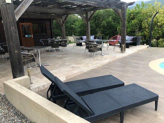 Barbaggio, France: Nous avons passé un super séjour , l'hôte est très accueillant , on se sent comme à la maison. Grand petit déjeuner avec produits maison et corse. A noté particulièrement la propreté de la chambre , la grandeur du lit et de la chambre ! Le petit coin terrasse, ainsi que le coin piscine est très agréable . Merci à vous !