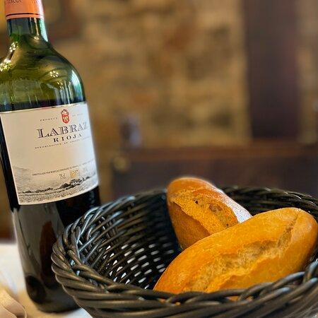 Bergara, España: Menú del día casero, con buena bodega