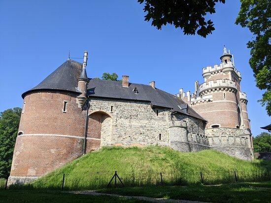 Gaasbeek, België: Kasteel was gesloten dus wandeling gemaakt in het park er rond