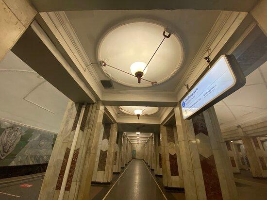 Станция метро Семёновская