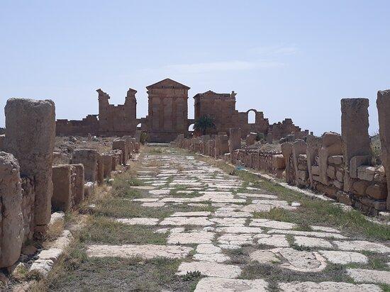 Subaytilah, Tunisia: Sufetula,  era una ciudad romana y capital Byzantina construida por el patricio Gregorio , fue la primera puerta para los arabes para emperor a propagar la nueva fe en todo el Mediterranean.. es la ciudad màs conservada en el norte de Africa.