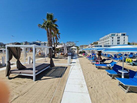 Spiaggia 129 Patty Beach Club & Restaurant Riccione