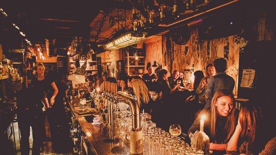 Bobby's Bar - Kleine Berg