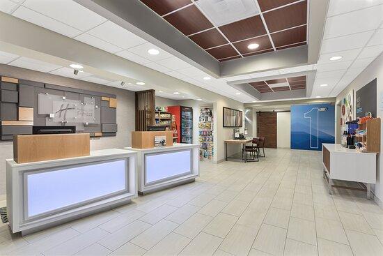Byron, GA: Hotel Lobby