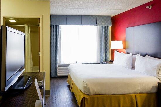 Holiday Inn Express & Suites Austin Airport, hoteles en Austin