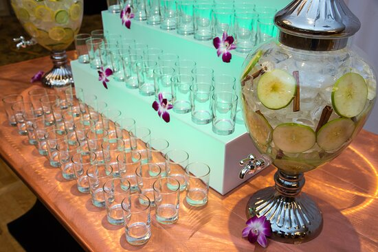 East Windsor, NJ: Impress Your Guests with an Infused Water Station