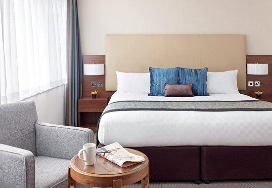 Thistle Trafalgar Square Bedroom 12