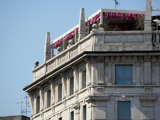 Palazzo Via Mazzini 2