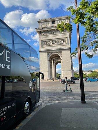 Luxury Paris Bus Dining Experience Εικόνα
